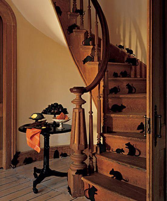 halloween-deko-innen-treppen-papier-schwarze-mäuse-ausschneiden