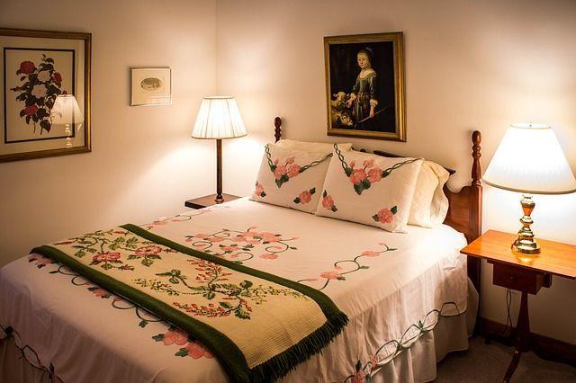 bedroom-374977_640
