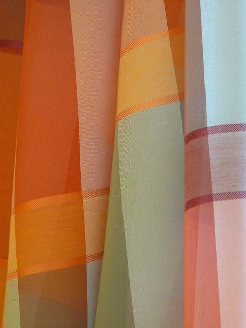 curtain-56008_640