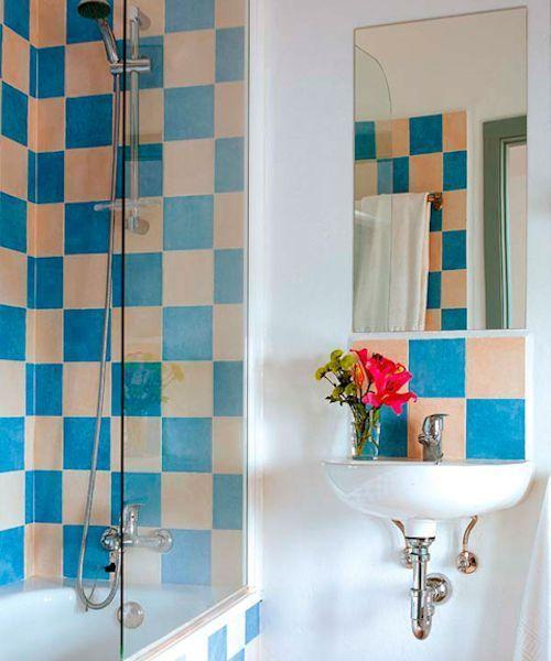 Grandes ideas para que ba os peque os sean bellos y funcionales decoracion de ba os - Azulejos para cuartos de bano pequenos ...