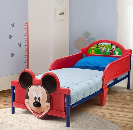 cama-con-decoracion-del-raton-mickey